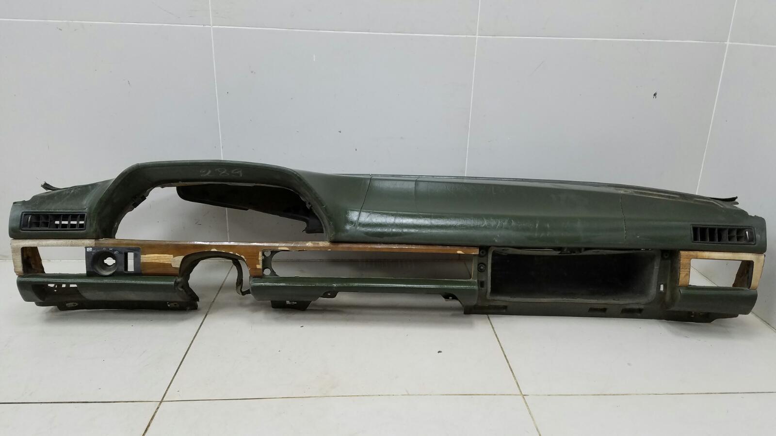 Торпеда панель Mercedes S280 W126 M110.989 2 1983