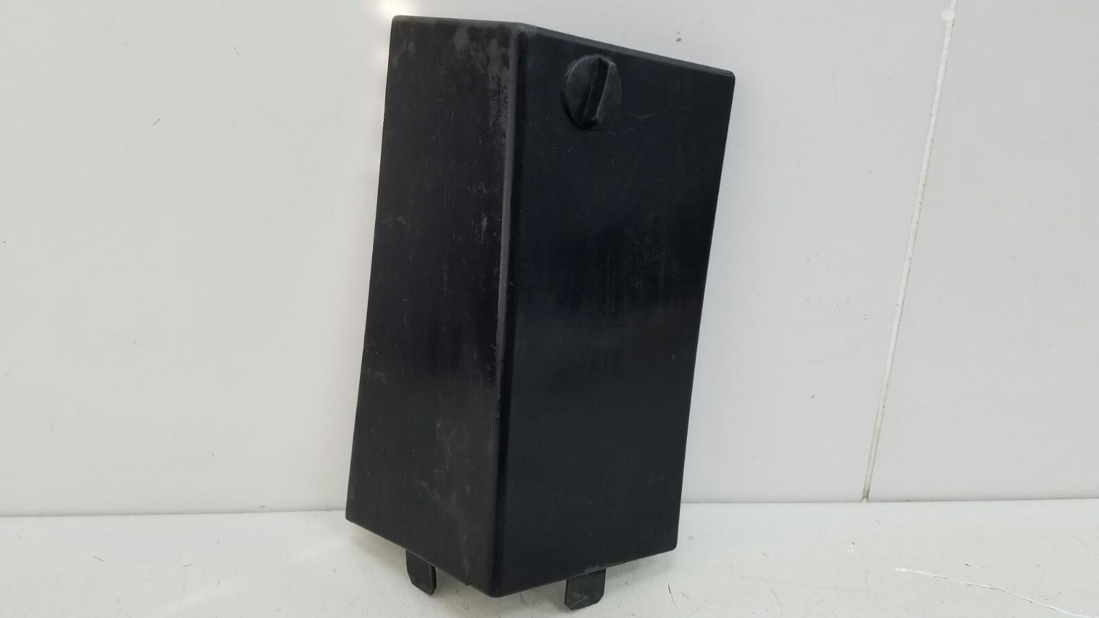 Крышка блока предохранителей Audi A8 D2 ABZ 1996