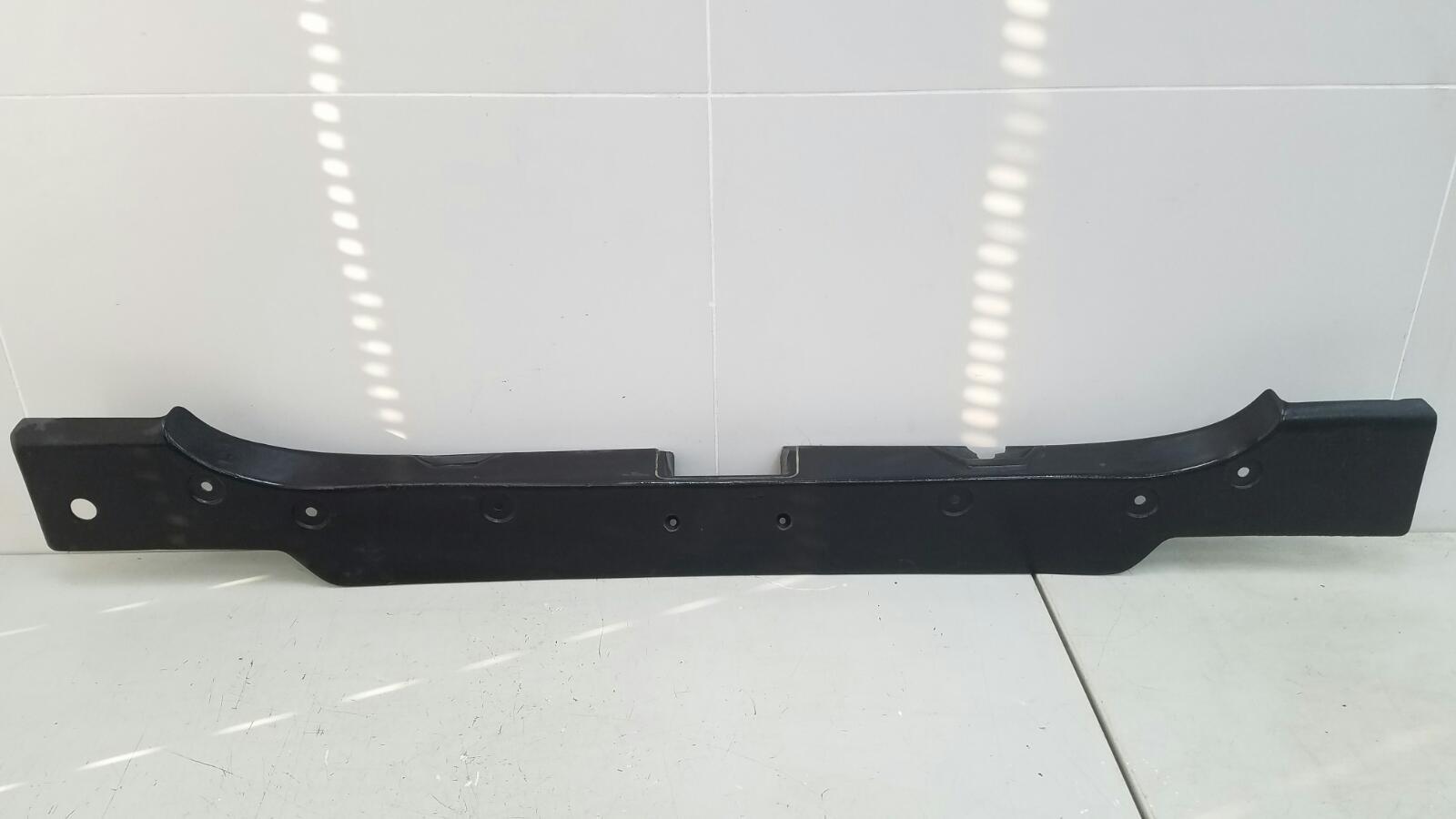 Накладка замка багажника Audi 80 B3 YN 1.8Л 1990