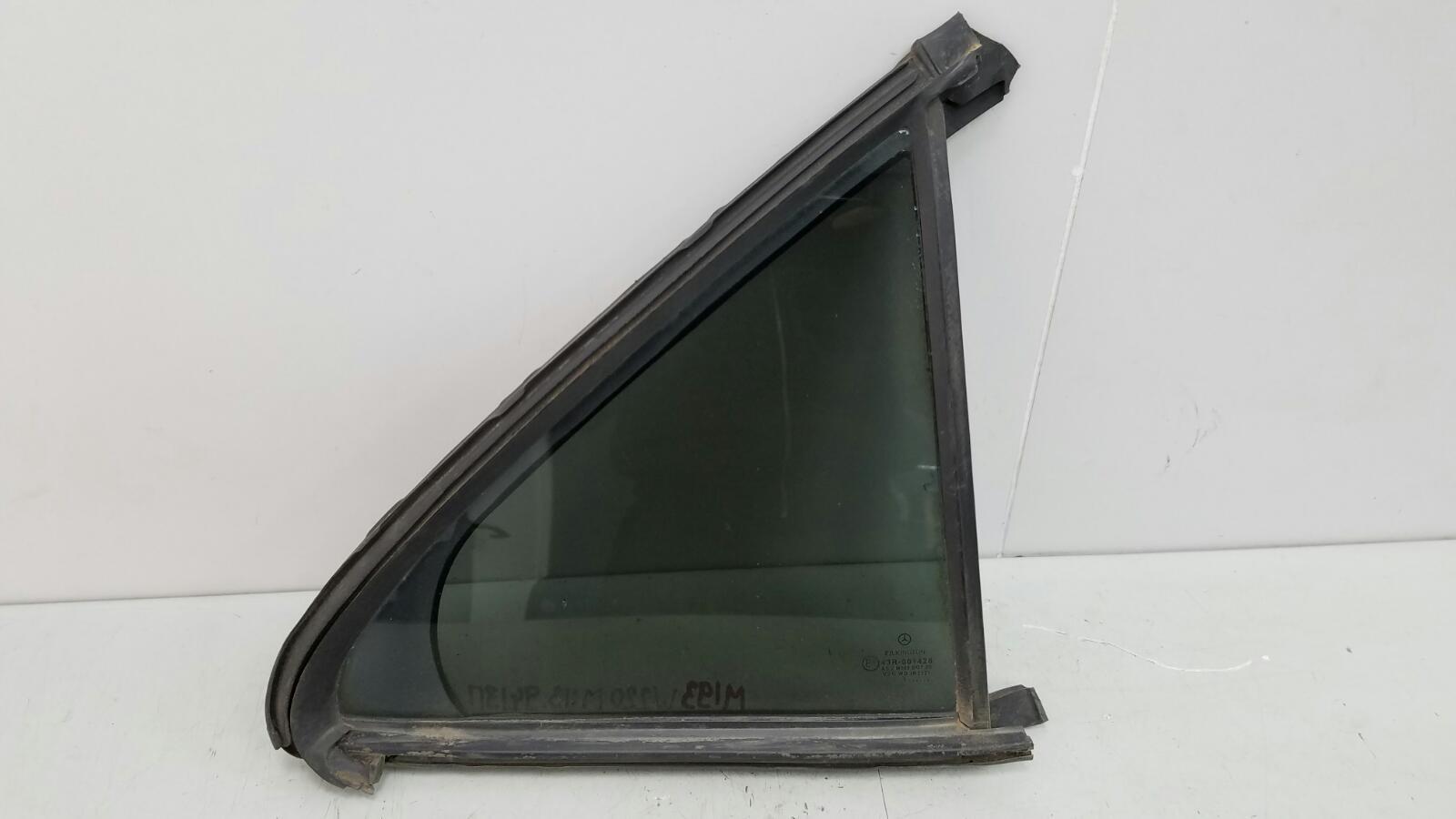 Стекло двери Mercedes S430 W220 M113.941 4.3Л 1999г заднее правое