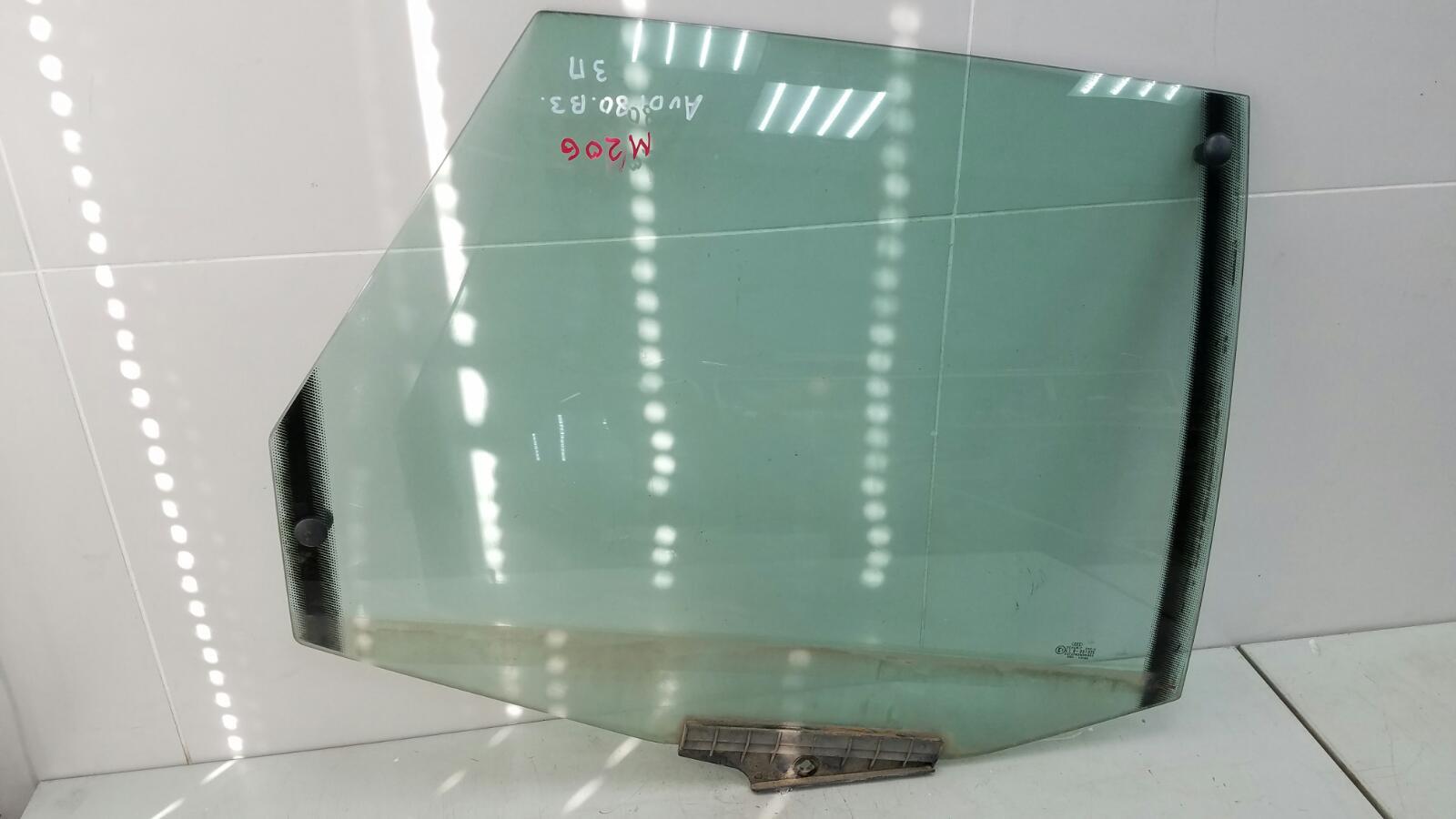 Стекло двери Audi 80 B3 YN 1.8Л 1990 заднее правое