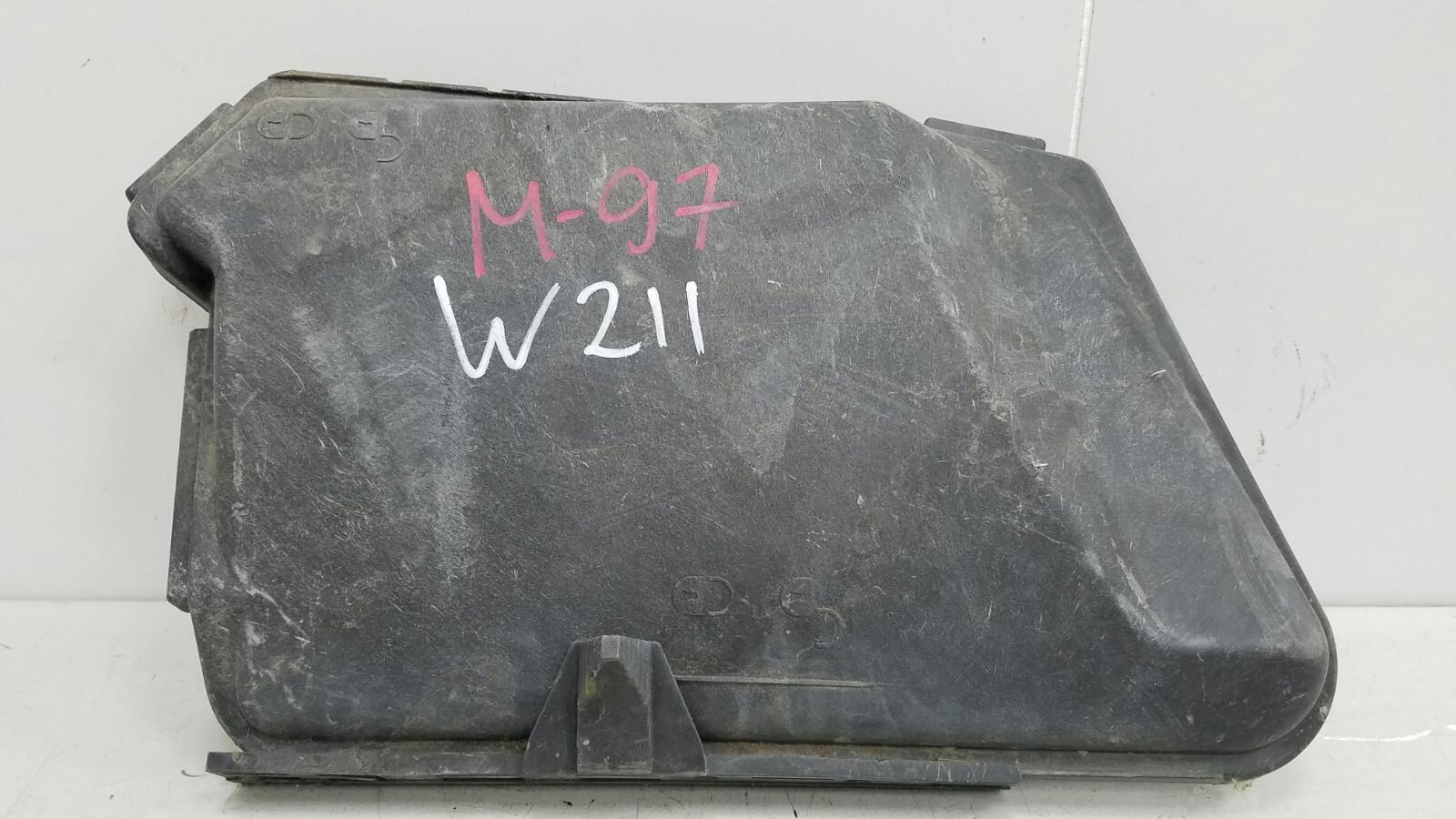 Крышка блока предохранителей Mercedes E240 W211 M112.913 2002