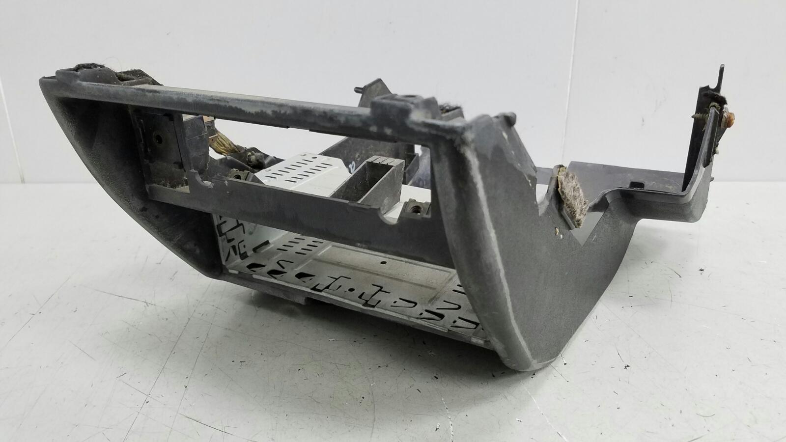 Накладка торпеды Audi 80 B2 1.6Л 1982