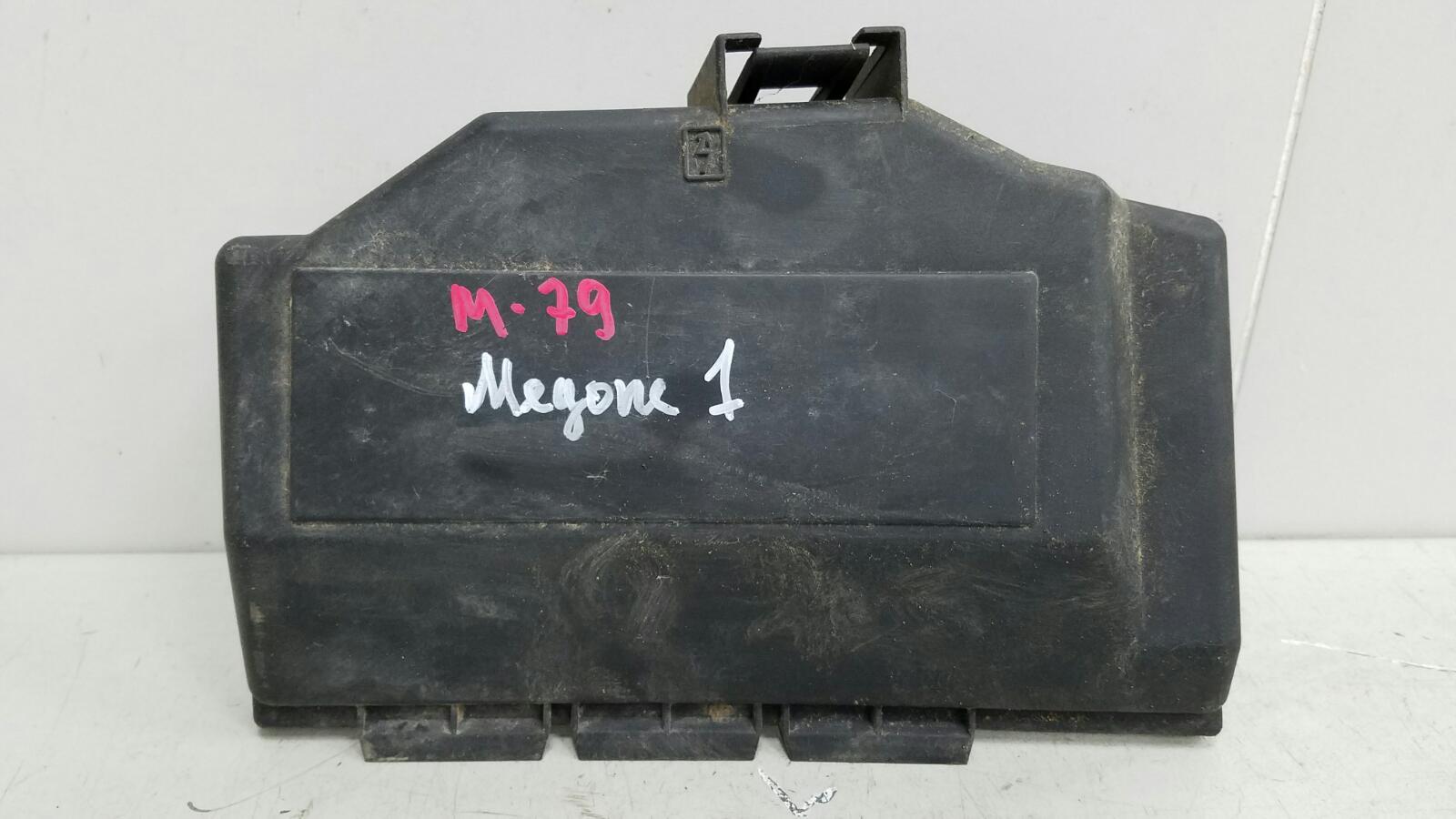 Крышка блока предохранителей Renault Megane 1 BA0 K7M 1996