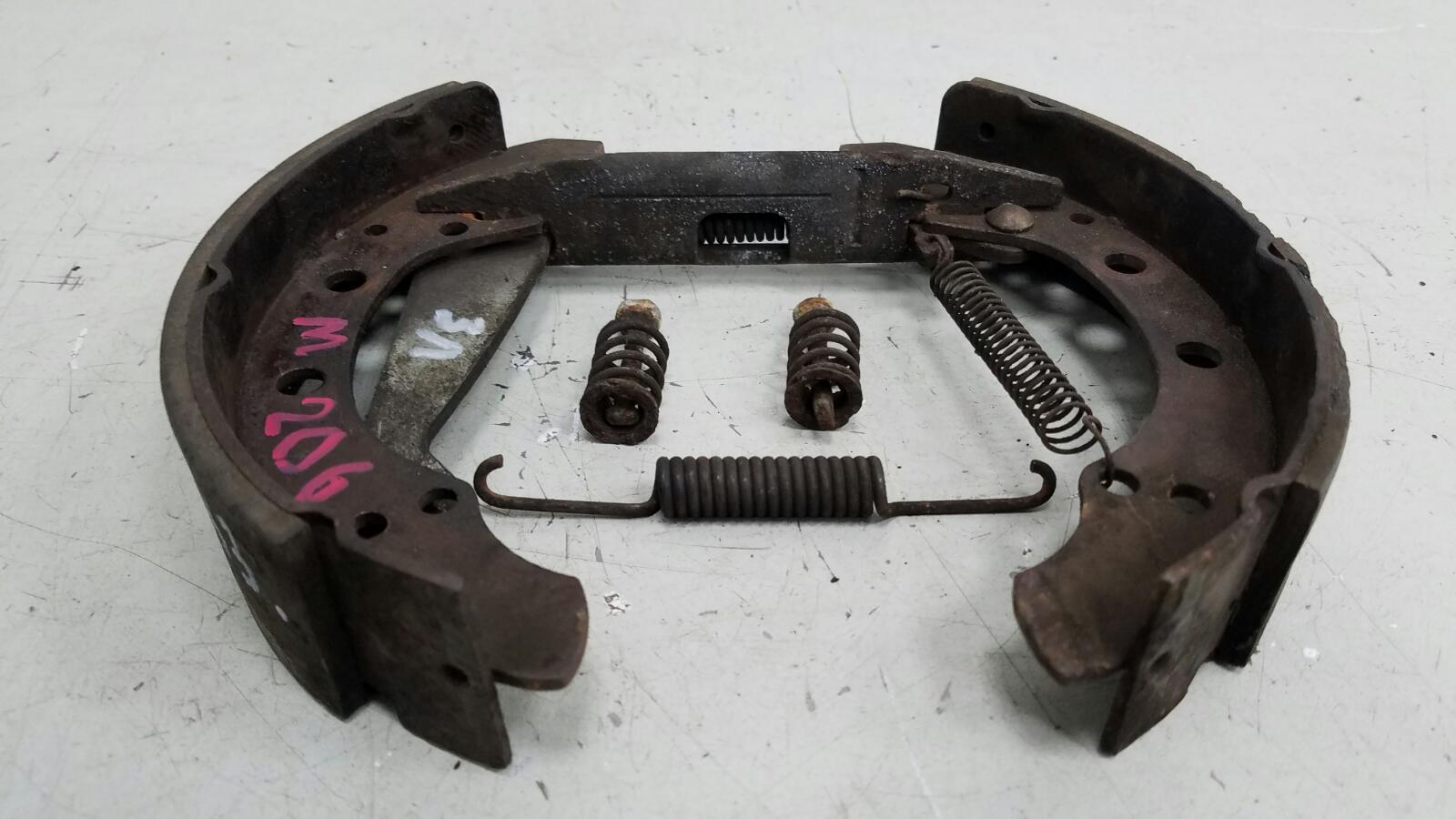 Механизм развода колодок ручника Audi 80 B3 YN 1.8Л 1990 задний левый