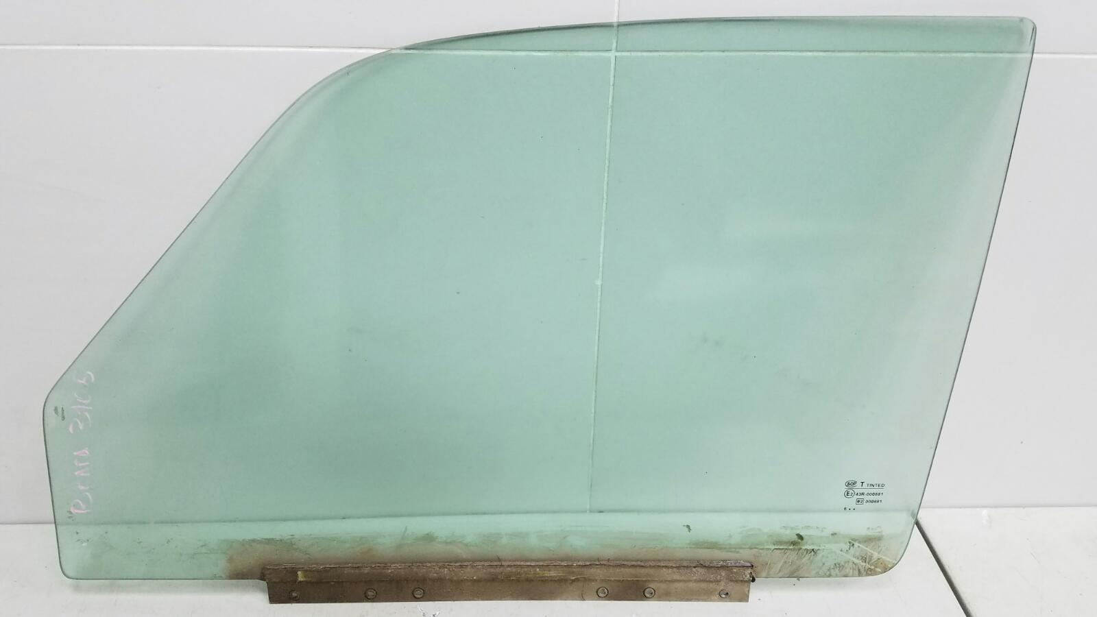 Стекло двери Газ Волга 31105 EDZ 2.4Л 2007 переднее левое