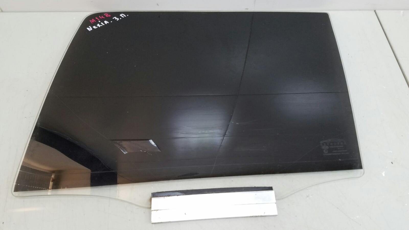 Стекло двери Daewoo Nexia N150 F16D3 1.6L 2012г заднее правое
