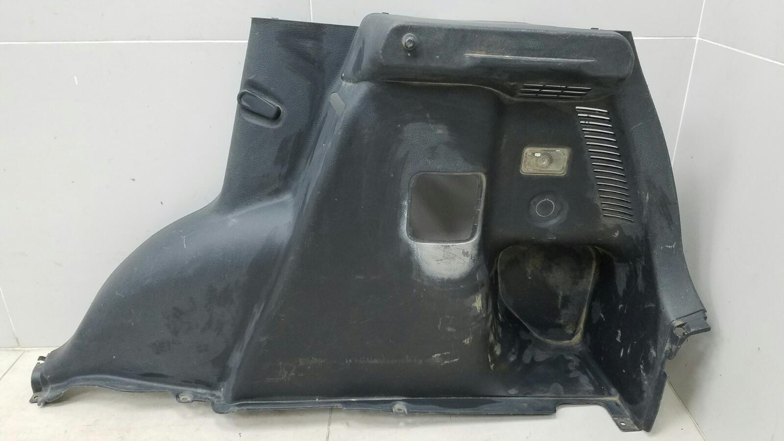Обшивка багажника Suzuki Sx4 GYA M16A 2012 задняя правая