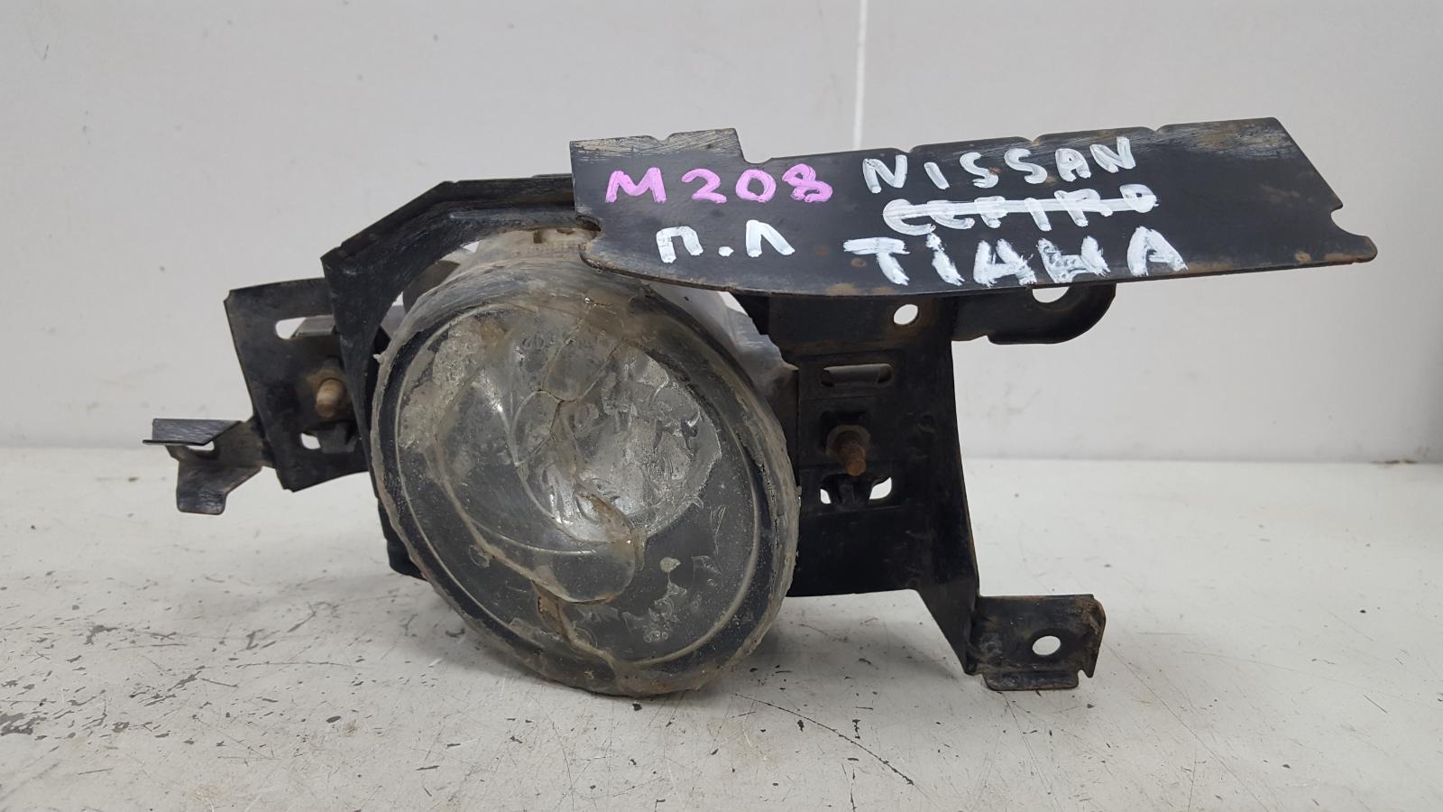 Фара противотуманная Nissan Teana J31 VQ23DE 2.3Л 2004 передняя левая