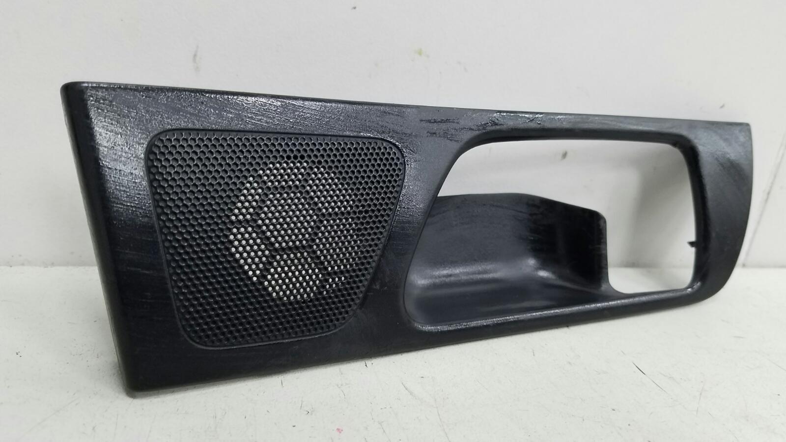 Накладка ручки двери внутренней Toyota Avensis 2 T250 1ZZ-FE 1.8Л 2008 задняя левая