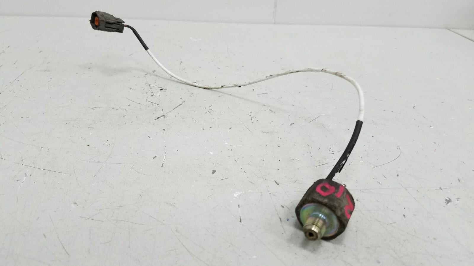 Датчик детонации Mazda Mpv 2 LW GYDE 2.5Л 2001
