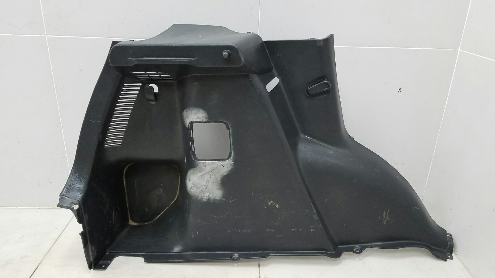 Обшивка багажника Suzuki Sx4 GYA M16A 2012 задняя левая