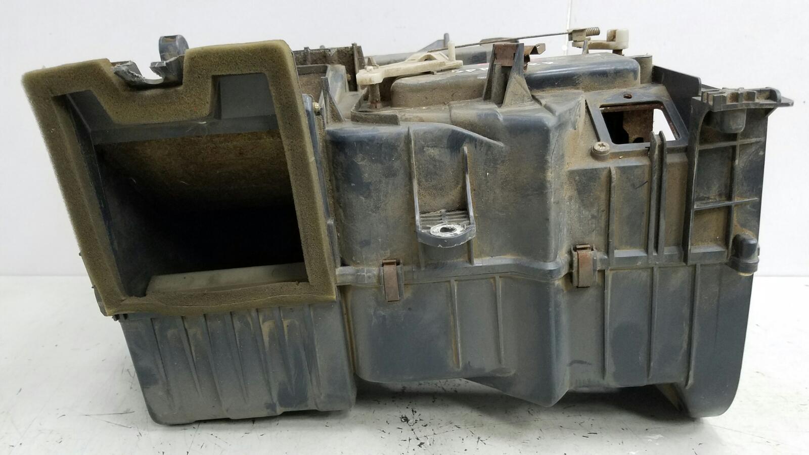 Корпус печки Toyota Sprinter AE81 3ALU 1.5Л 1986