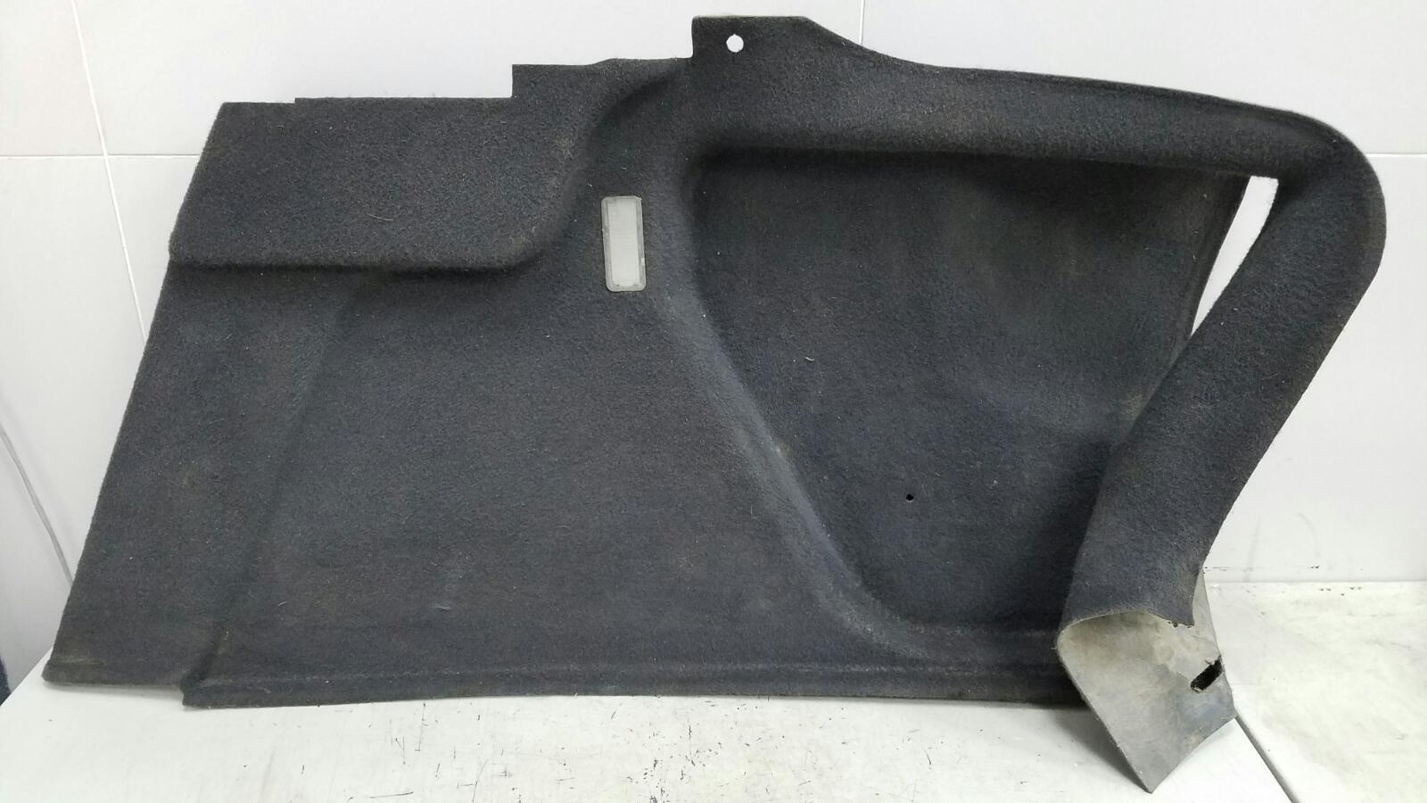 Обшивка багажника Citroen C5 DC 4HX (DW12TED4/FAP) 2.2Л 2002 задняя правая