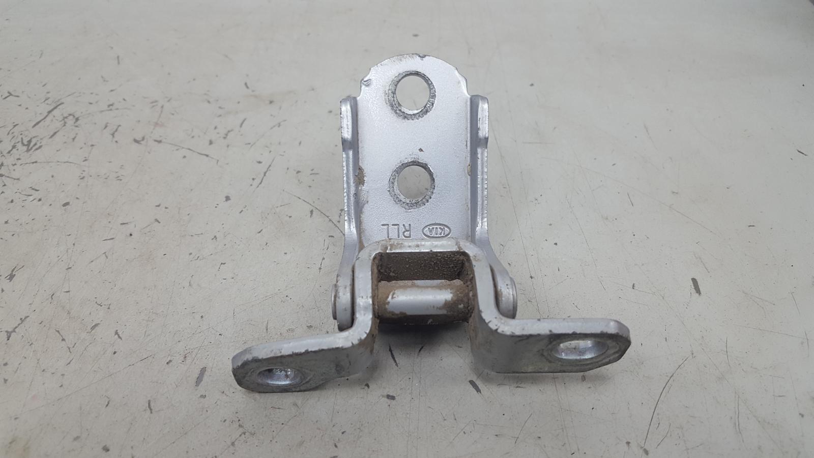 Петля двери Kia Cerato 1 LD G4FC 2007