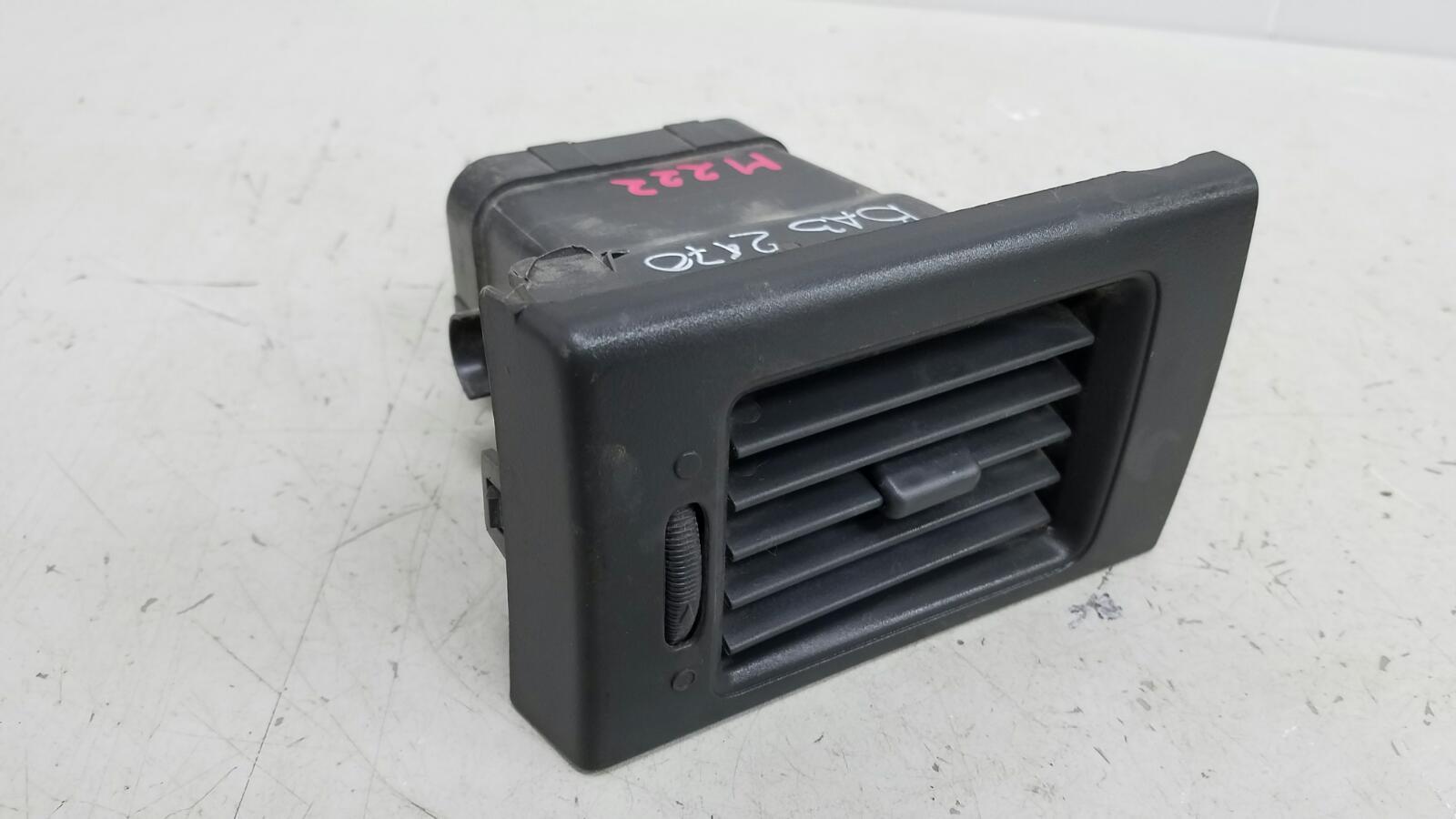 Дефлектор воздушный Ваз Лада Приора 2170 2007