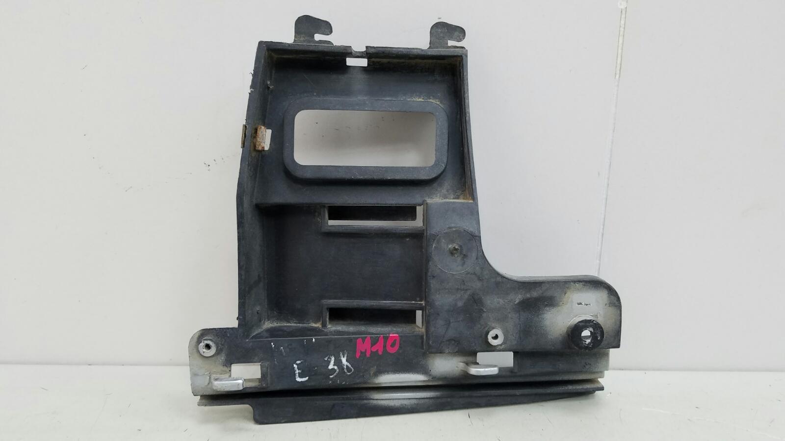 Кронштейн крепление бампера Bmw 728 I Il E38 M52 1996 передний левый