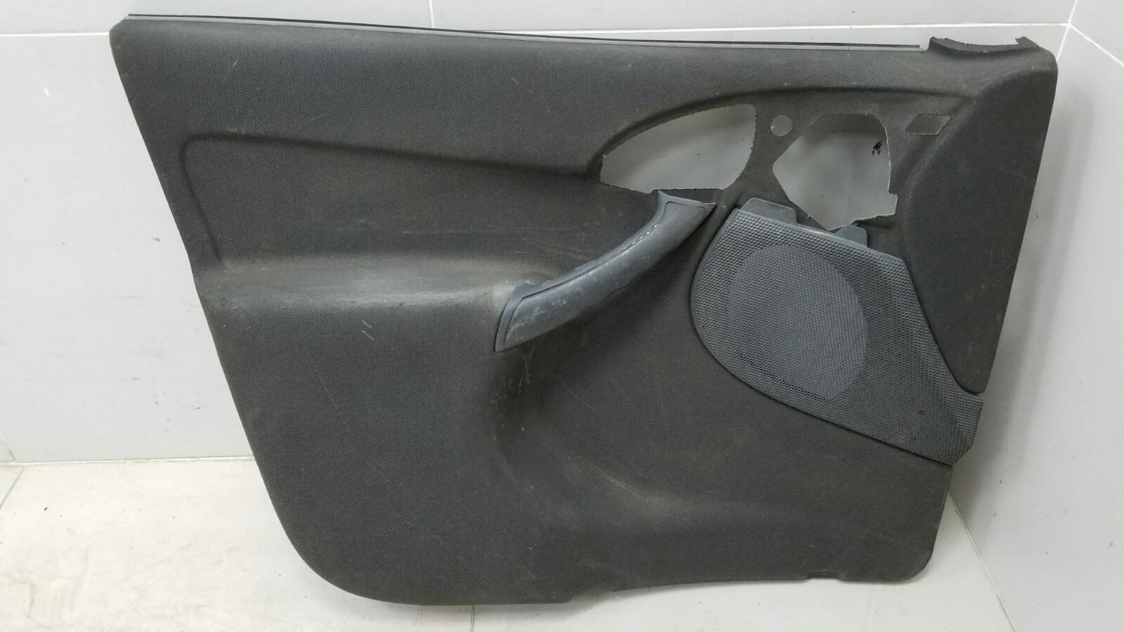 Обшивка карта двери Ford Focus 1 CDDA 2005 передняя правая