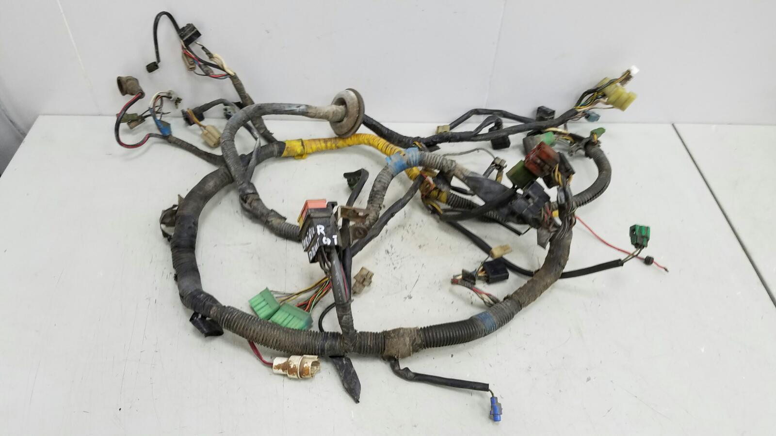 Проводка шлейф коса двигателя двс Toyota Sprinter AE81 3ALU 1.5Л 1986