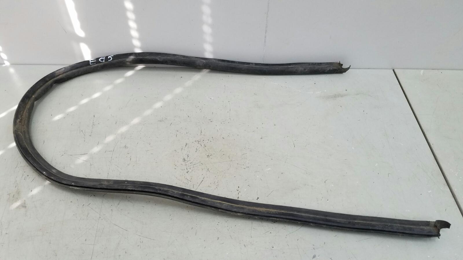 Уплотнительная резинка Bmw 745I E65 N62B44A 4.4Л 2002