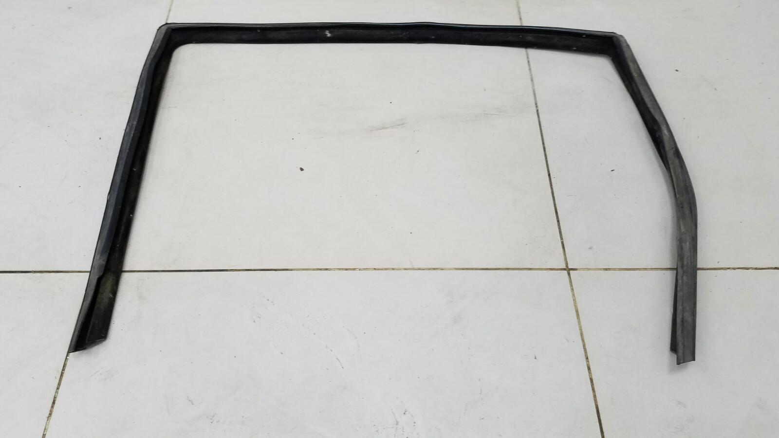 Уплотнительная резинка проема двери Kia Cerato 1 LD G4FC 2007 задняя левая