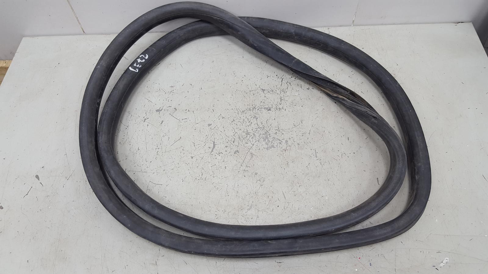 Уплотнительная резинка Hyundai Getz TB G4EE 2009