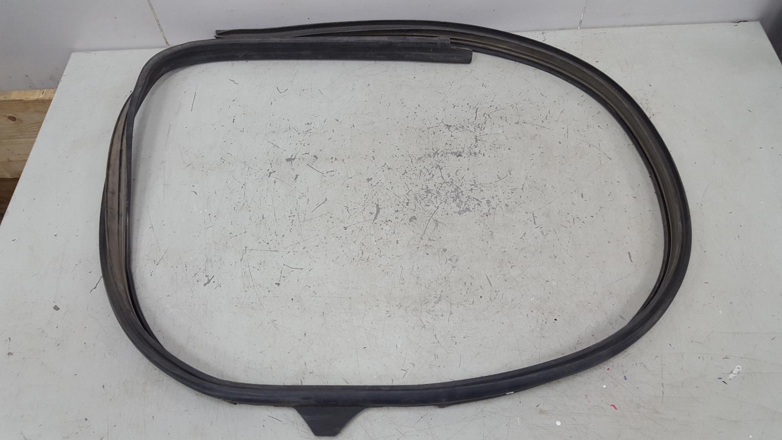 Уплотнительная резинка Ford Focus 1 CDDA 2005 правая