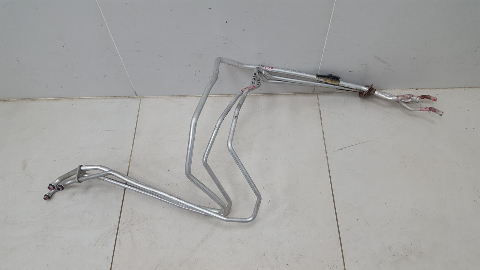 Трубка системы охлаждения Mercedes S500 W220 M113.960 2001 передняя правая