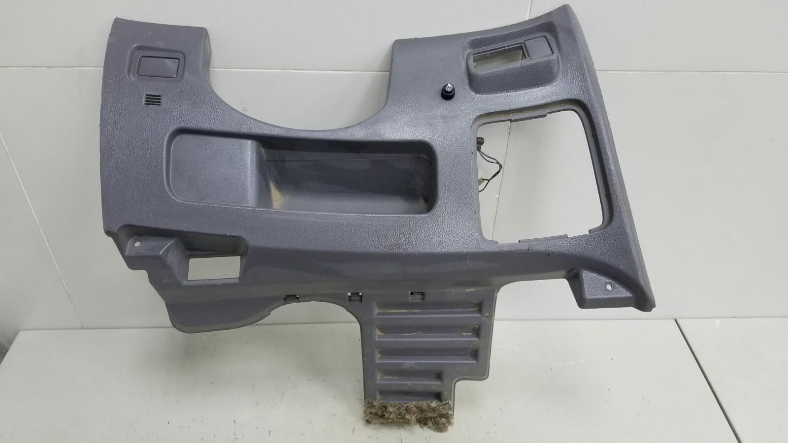 Накладка под торпеду Nissan Primera P12 QR20DE 2003