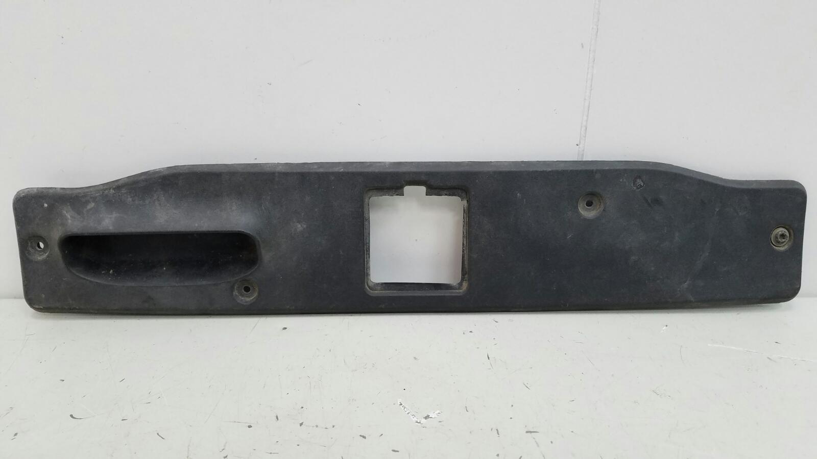 Накладка крышки багажника Mercedes S500 W220 M113.960 2001