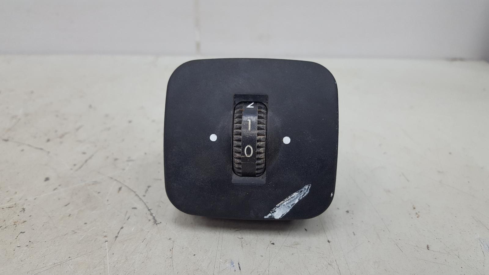 Кнопка сиденья Mercedes E230 W210 M111.970 1995