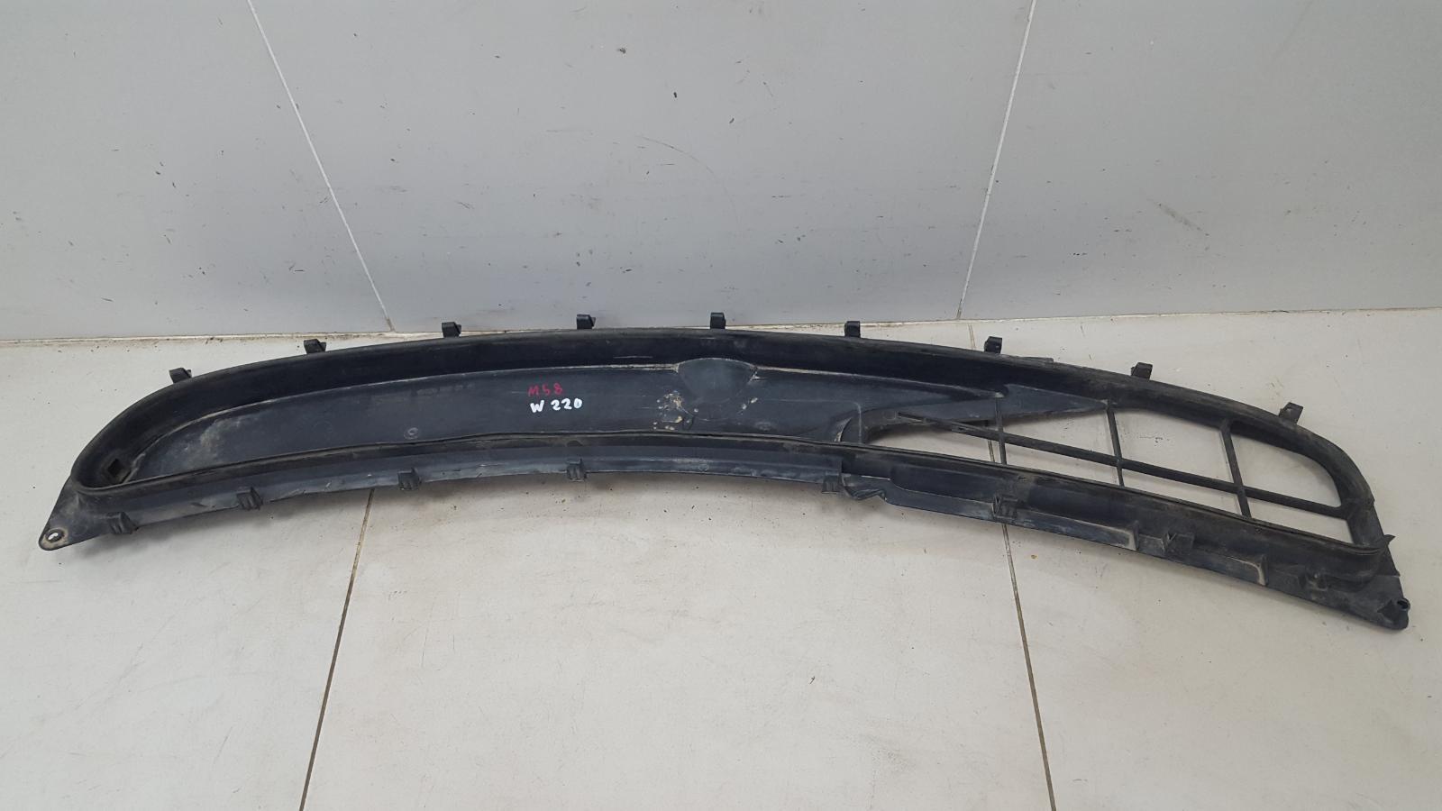Накладка под лобовое стекло жабо Mercedes S500 W220 M113.960 2001