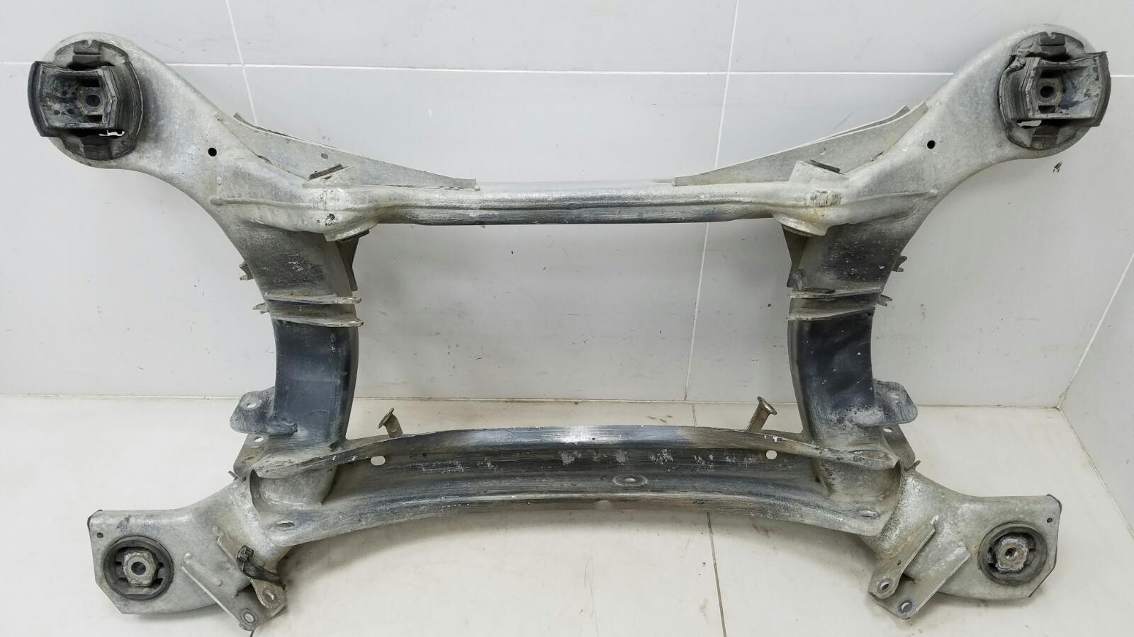 Подрамник балка Mercedes S500 W220 M113.960 2001 задний