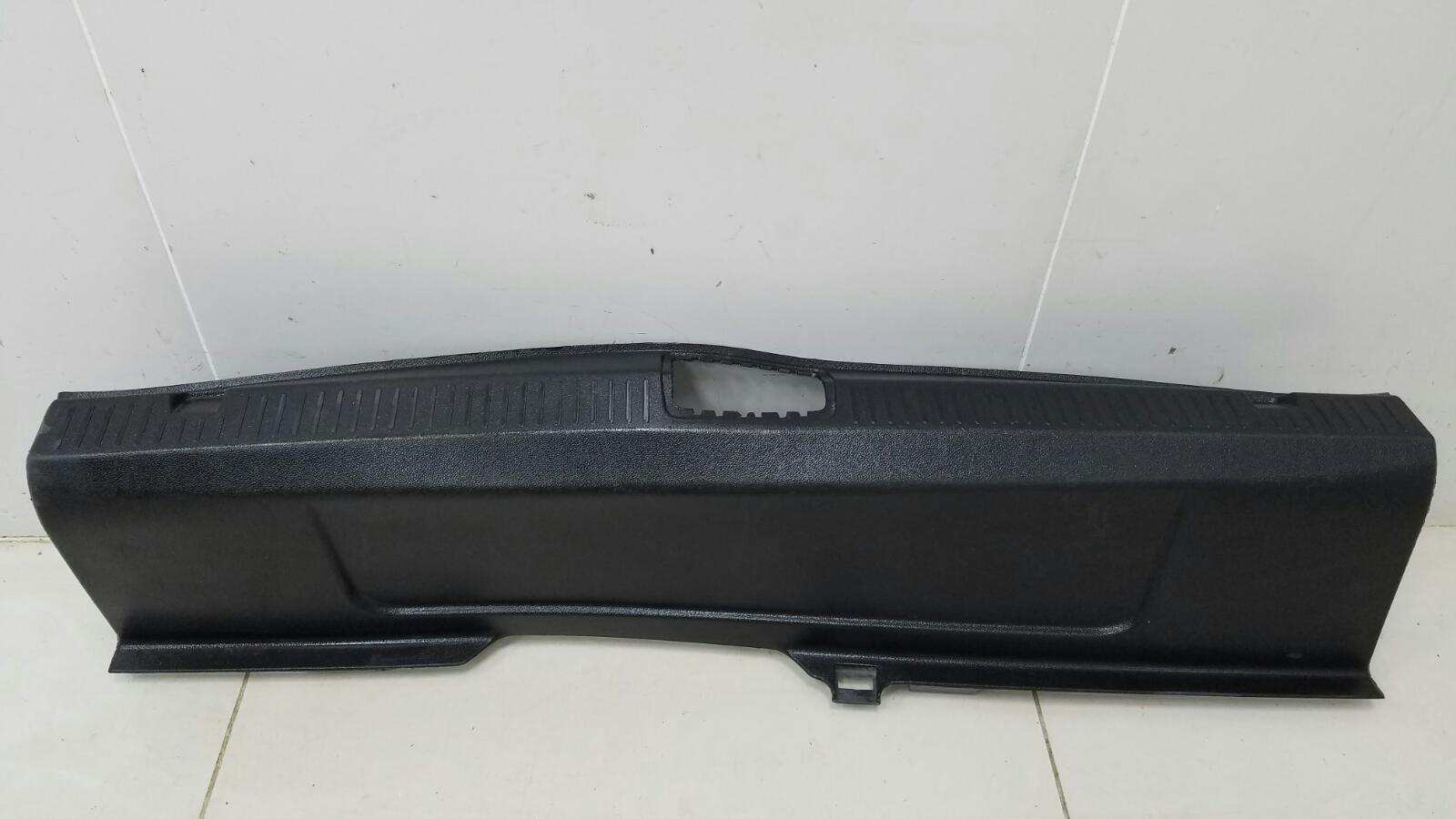 Накладка замка багажника Renault Fluence L30 K4M 2012