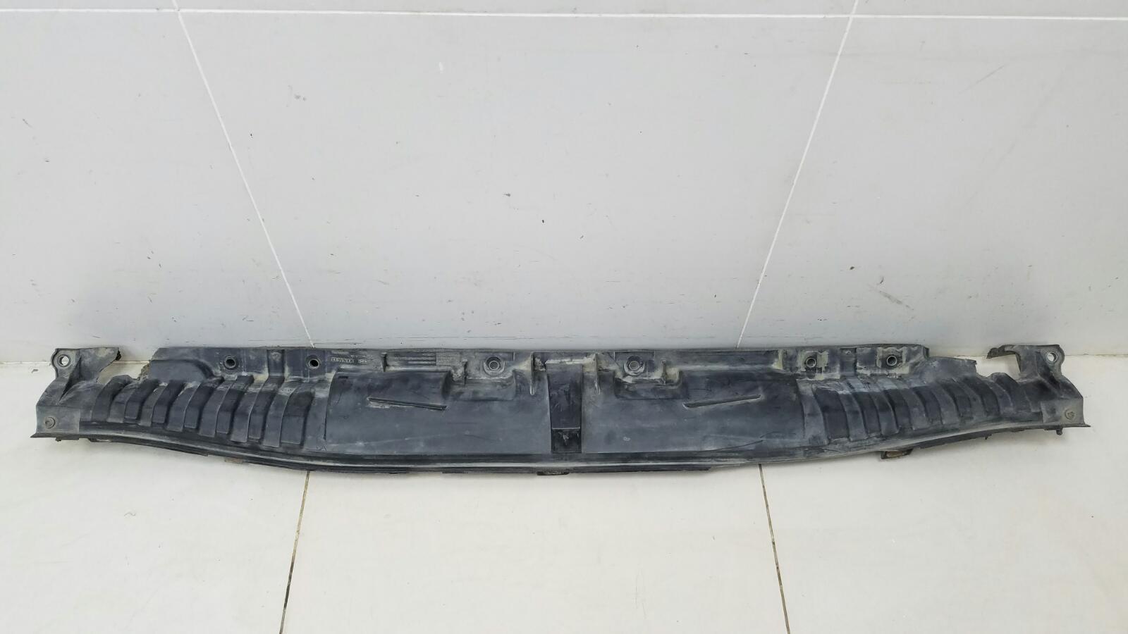 Водосток лобового стекла жабо Renault Fluence L30 K4M 2012