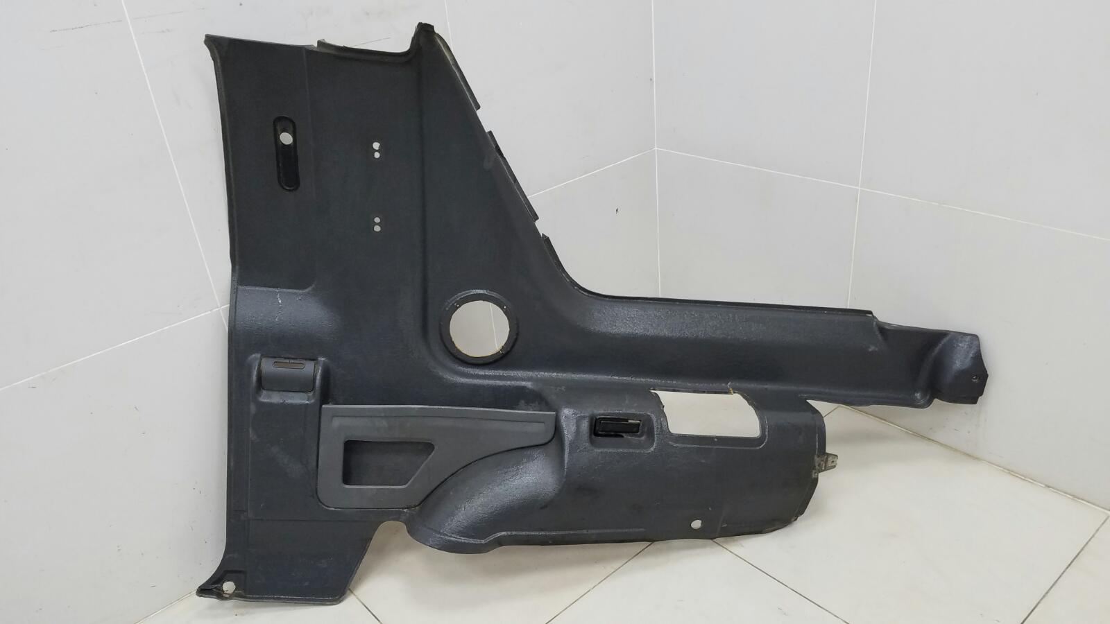 Обшивка багажника Opel Frontera A Sport 5SUD2 C20NE 2.0Л 1993 задняя правая