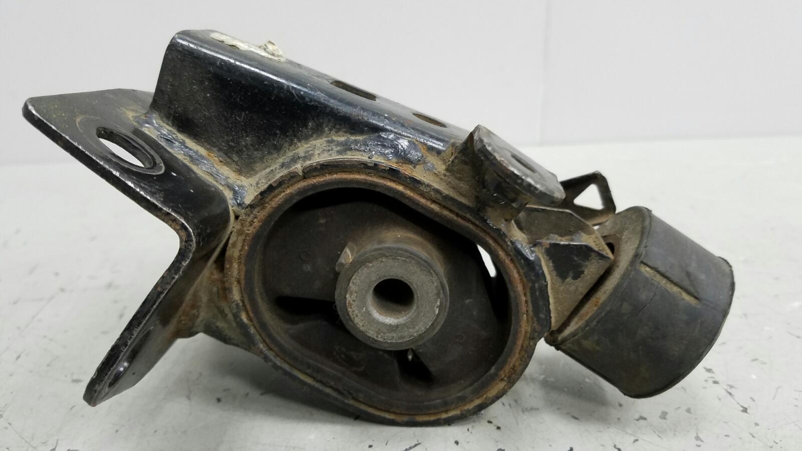 Подушка двигателя двс Geely Emgrand EC7 JL4G15D 1.5Л 2011