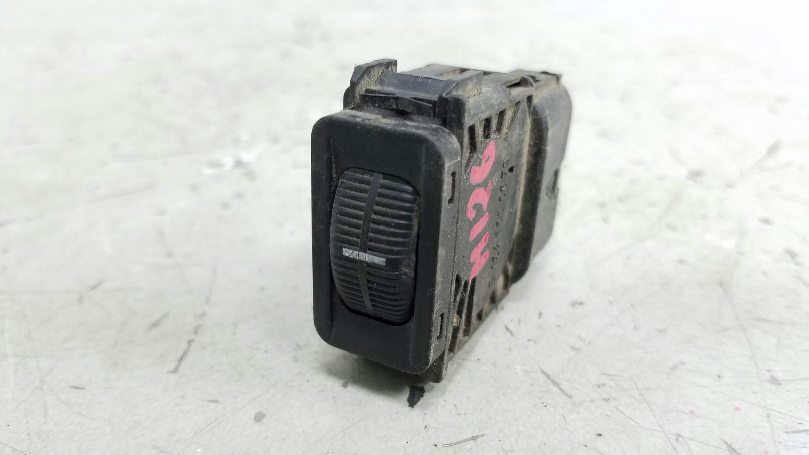Кнопка регулировки освещения Mercedes C180 W202 M111.920 2001