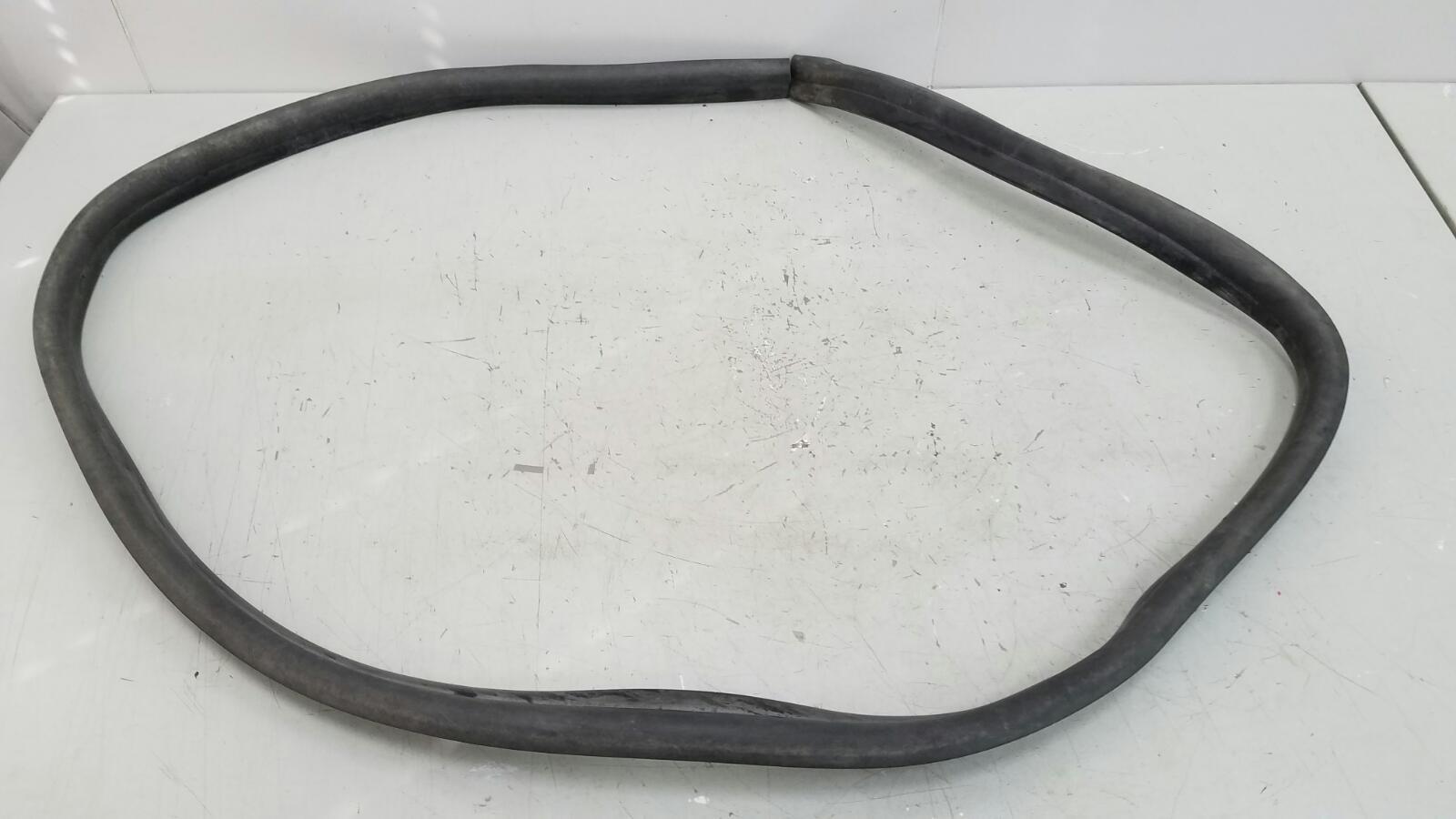 Уплотнительная резинка Hyundai Solaris RB G4FC 1.6Л 2012