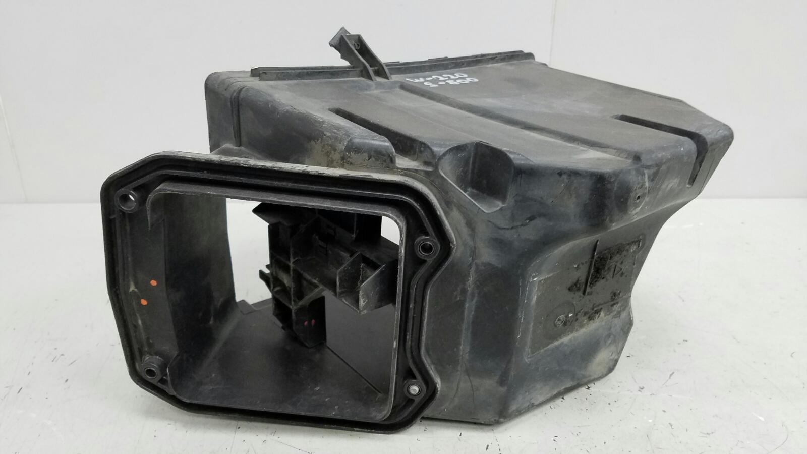 Крышка блока предохранителей Mercedes S500 W220 M113.960 2001