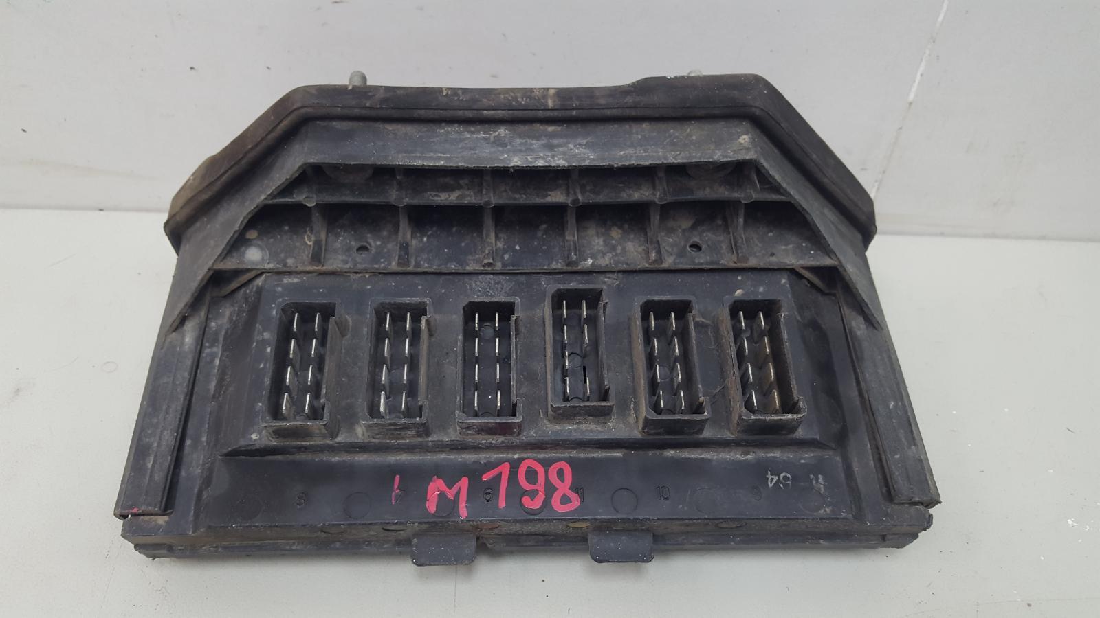 Блок предохранителей Ваз Жигули 2107 КАРБЮРАТОР 2005