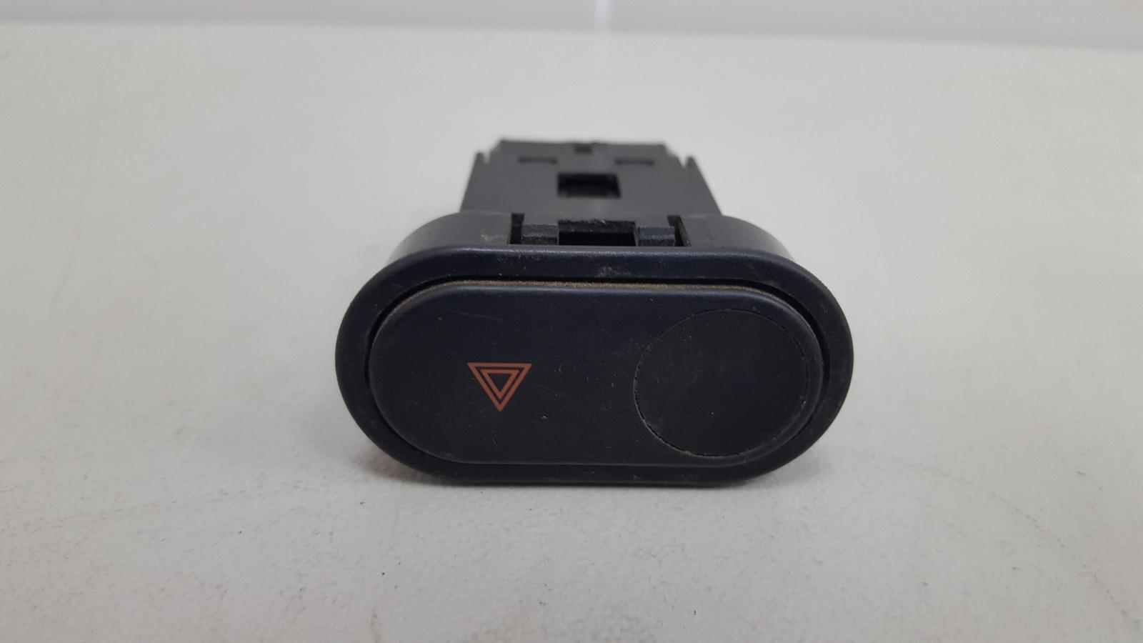 Кнопка аварийного сигнала Daewoo Espero C20LE 1998