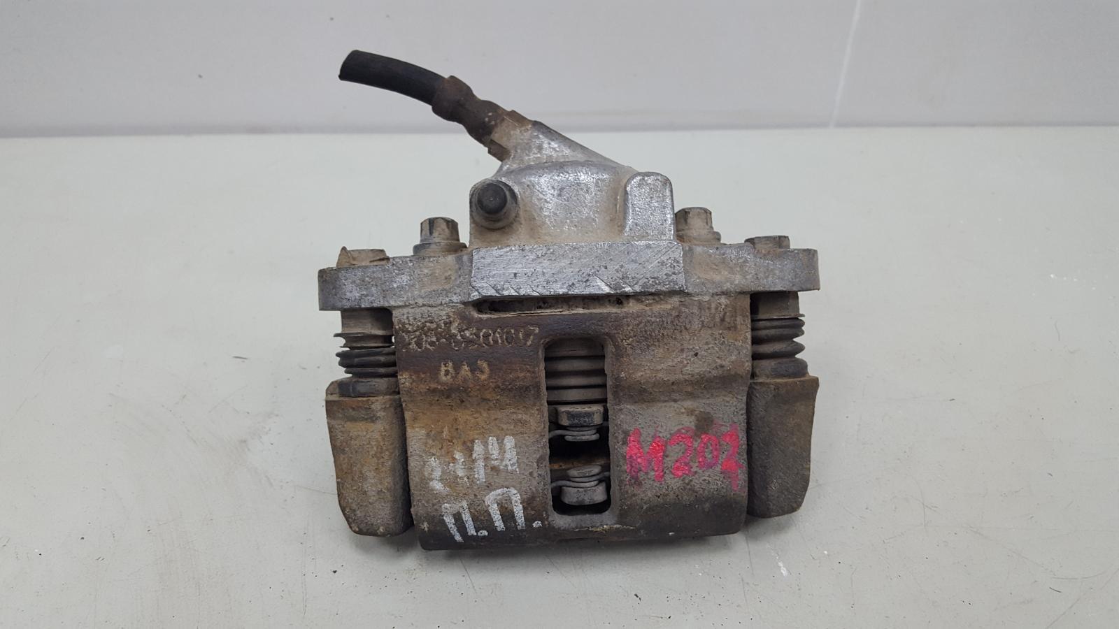 Тормозной суппорт Ваз Лада Самара 2 21140 2111 1.5Л 8КЛ 2006 передний правый