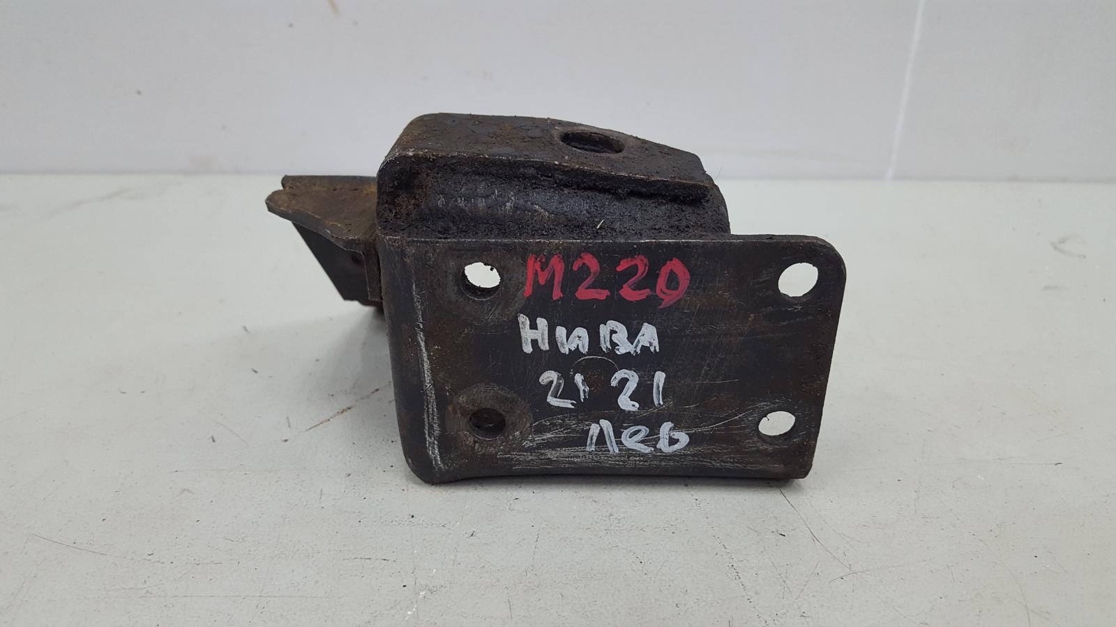 Кронштейн двигателя двс опоры Ваз Нива 2121 1977 левый