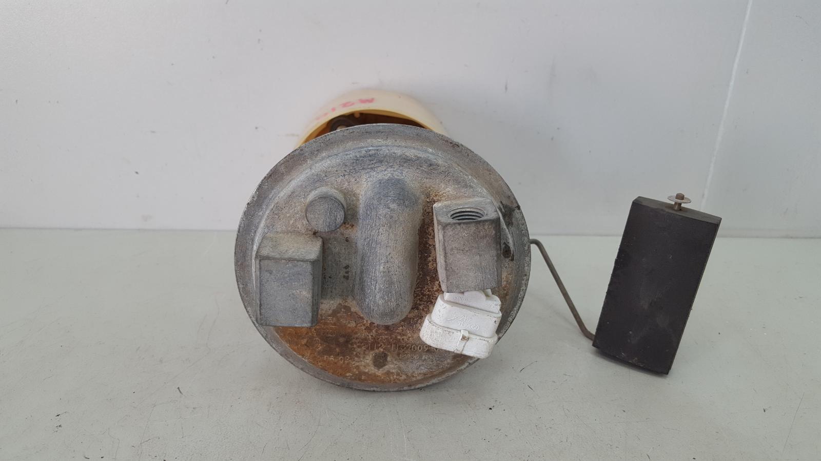 Топливный бензонасос Ваз Лада 110 2110 2003