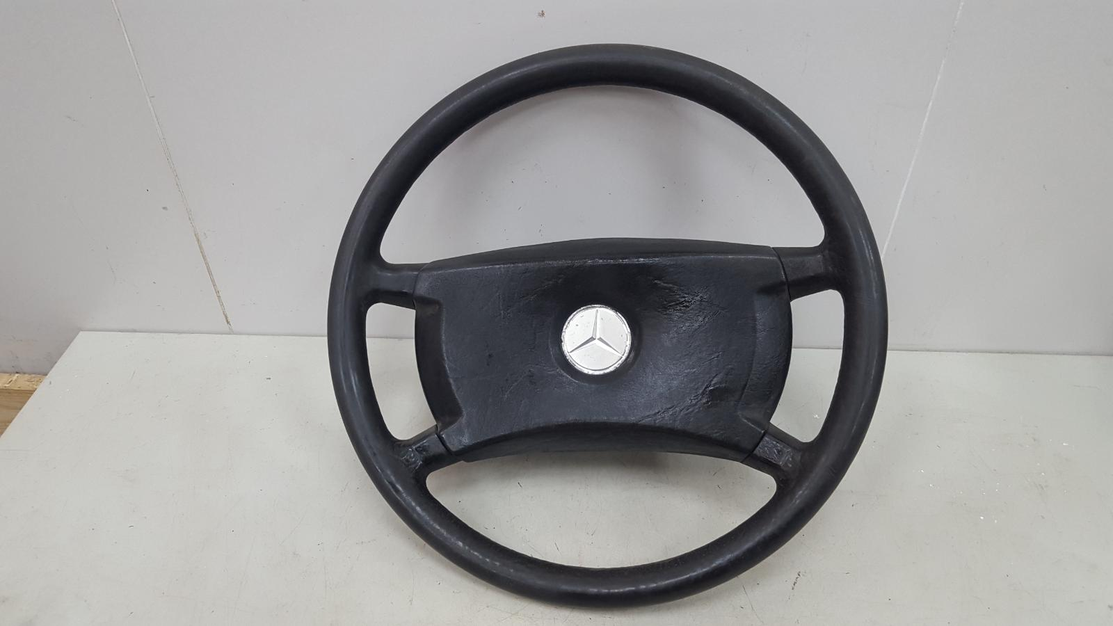 Руль Mercedes A190 W201 M102.961 2.0Л 1984