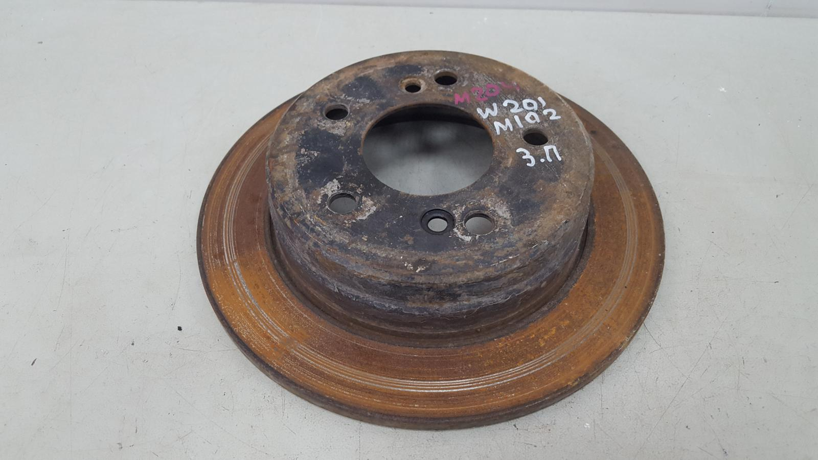 Тормозной диск Mercedes A190 W201 M102.961 2.0Л 1984 задний правый