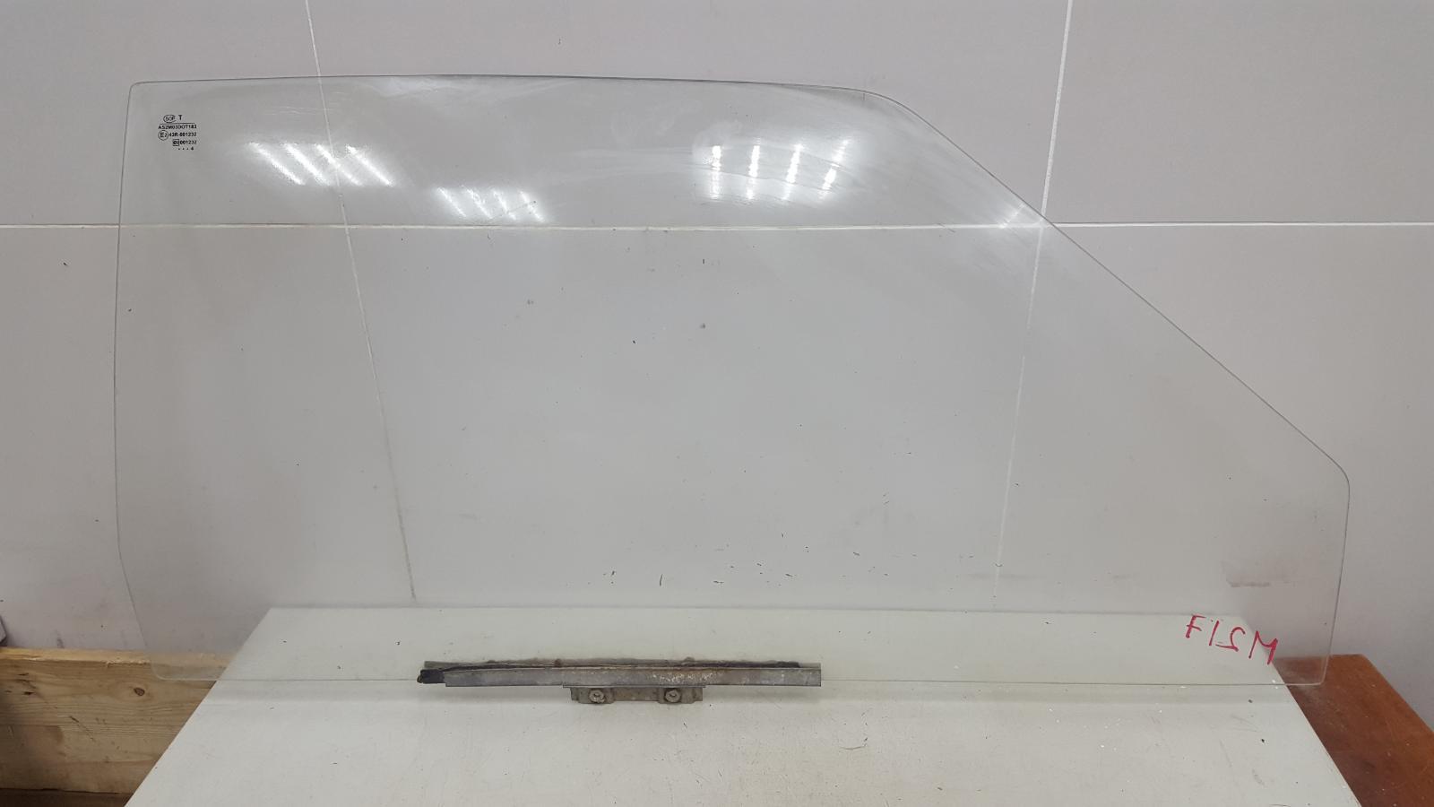 Стекло двери Ваз Лада Самара Спутник 2108 1984 переднее правое