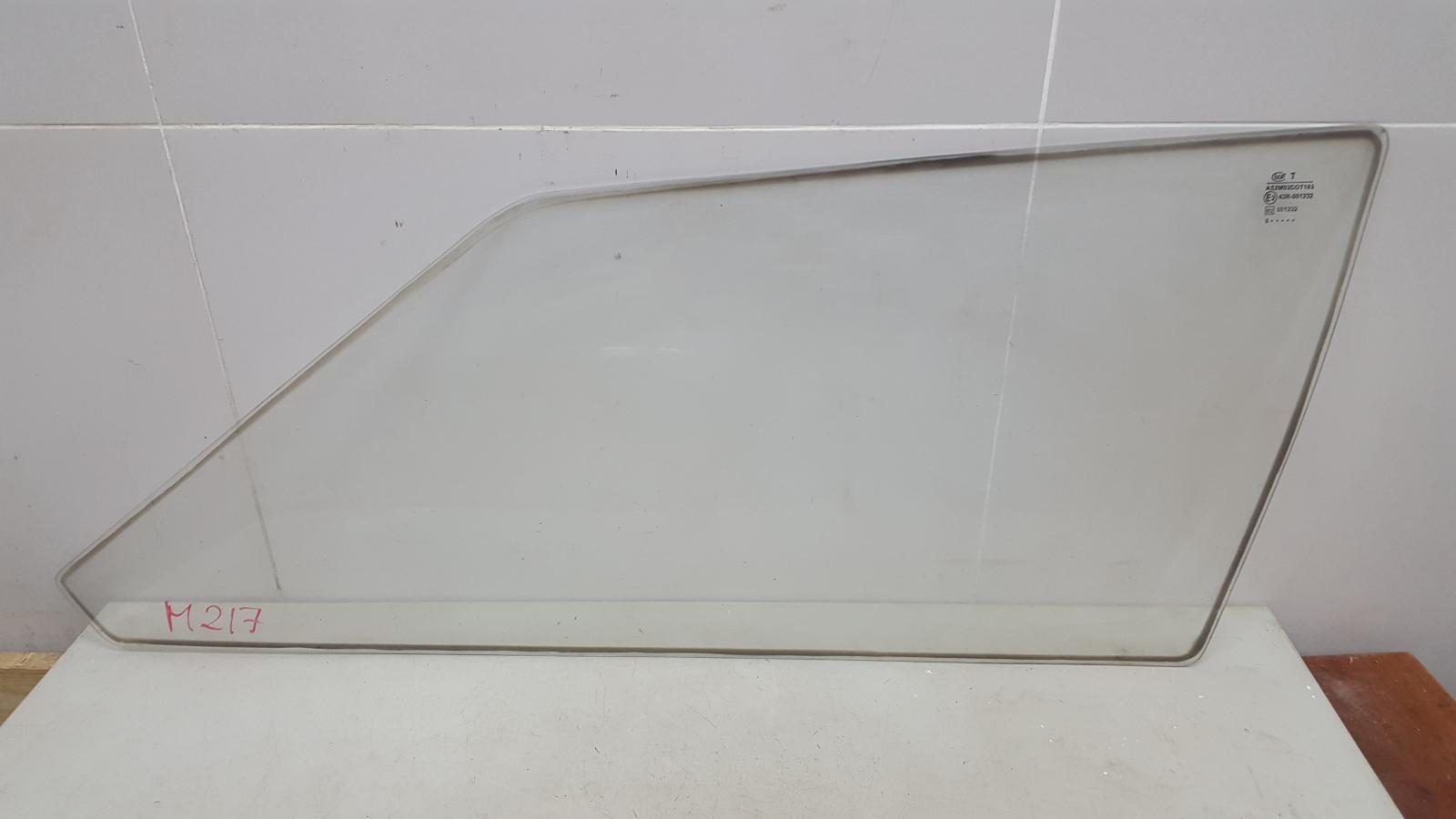 Стекло кузовное глухое Ваз Лада Самара Спутник 2108 1984 заднее правое