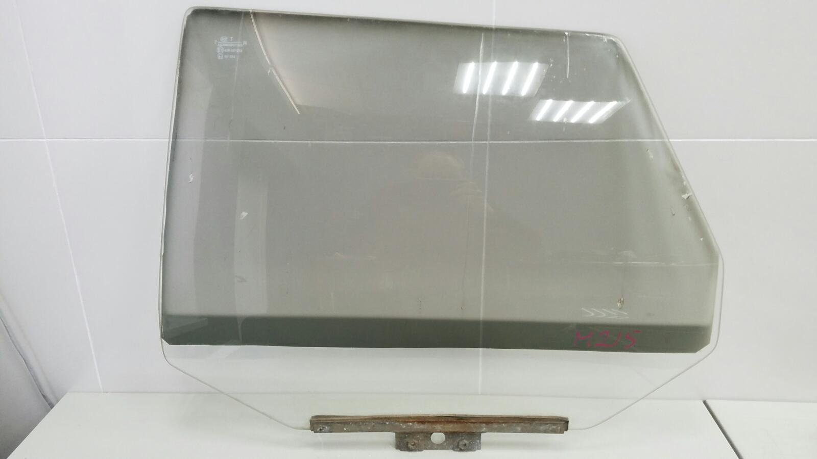 Стекло двери Ваз Лада Самара Спутник 2109 1987 заднее левое